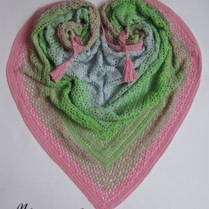 Дамски шал, плетен на една кука