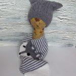 Детски шал и шапка с коледен мотив, плетени на една кука