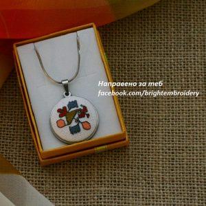 Медальон с шевица